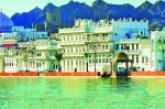 معرض «عُمان والبحر» ينافس المناسبات الباريسية