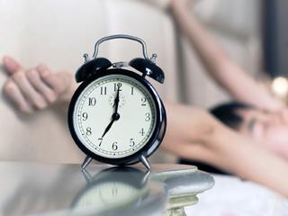 طرق سهلة للاستيقاظ مبكرا قبل أي أحد - Hatt Post | هات بوست